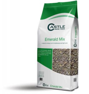 Castle-Horse-Feeds-Emerald-Mix